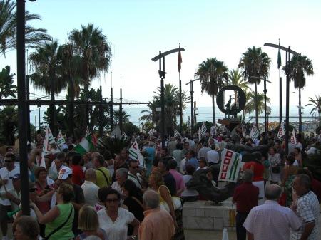 Manifestantes en la Avenida del Mar